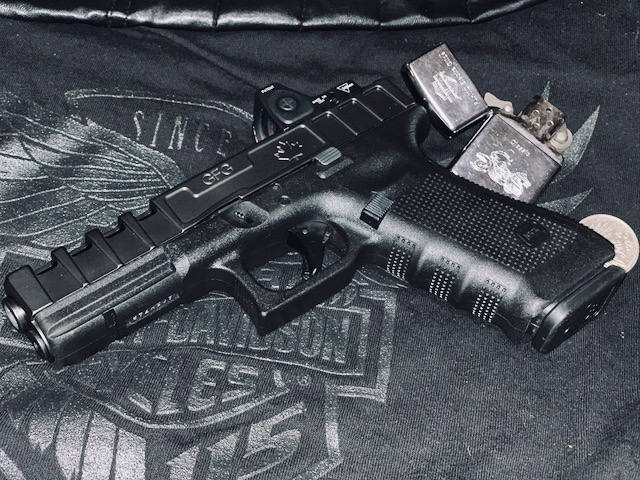 GFG Spider Slide for GLOCK 17 generation 4 with Diamond Like Carbon (DLC) coating and Trijicon RMR cut